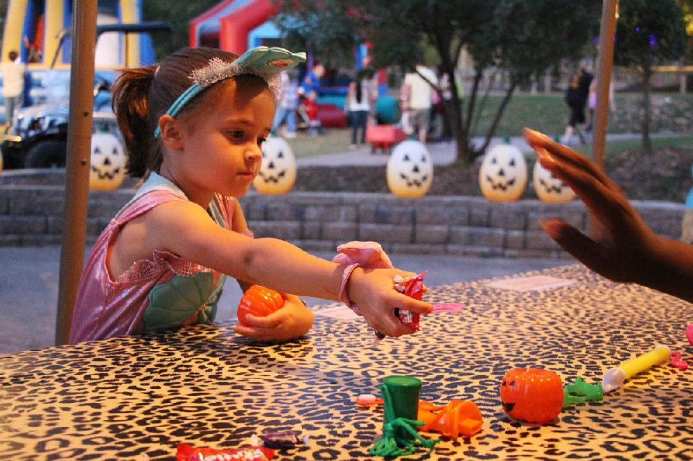 ARKANSAS' LARGEST HALLOWEEN FESTIVAL: Zombies part of the fun at annual Boo at the Zoo in Little Rock | Arkansas Democrat-Gazette