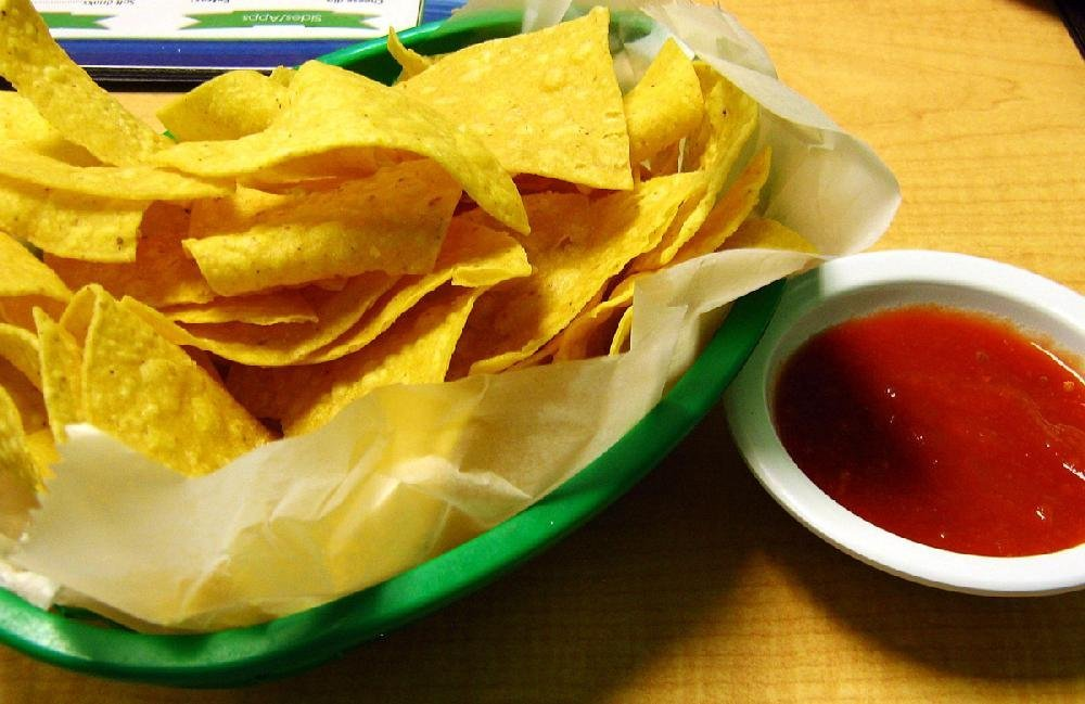 Upon being seated at Taqueria Amigos Mexican Restaurant in Jacksonville diners are given a basket of chips and salsa. The chips are thick and crisp, the salsa tangy but not spicy.