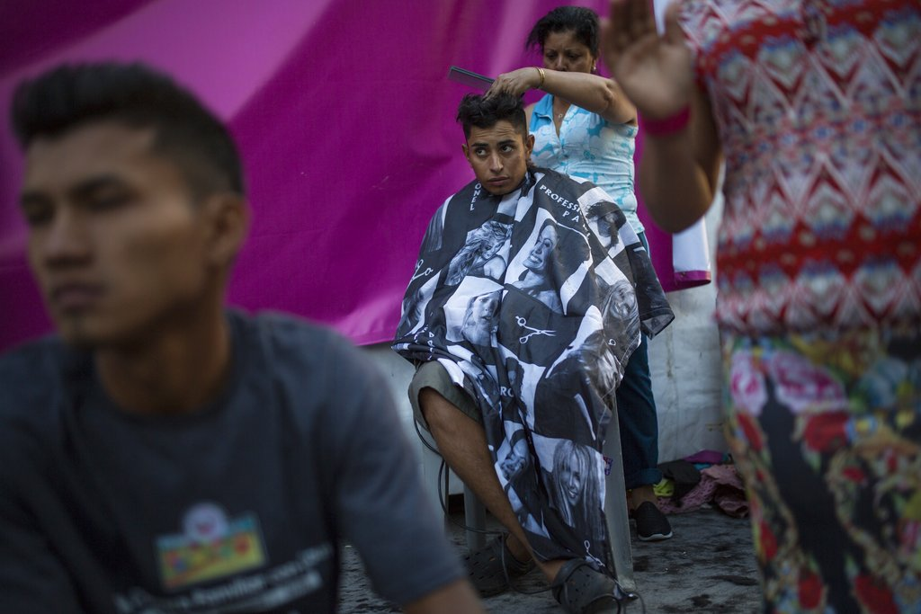 Central American migrants in Mexico want buses to US border