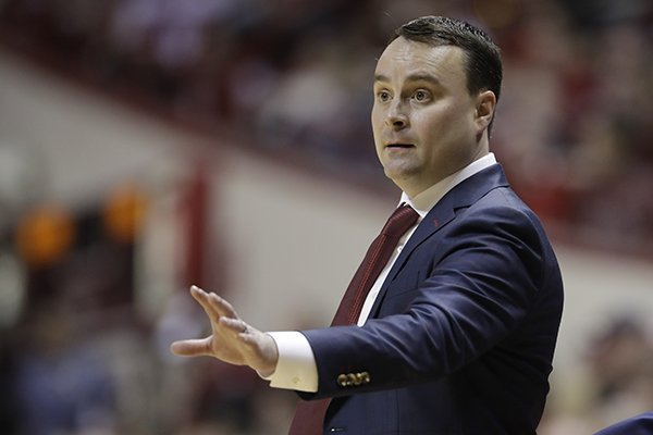 Indiana head coach Archie Miller calls a play during the first half of an NCAA college basketball game against Marquette, Wednesday, Nov. 14, 2018, in Bloomington, Ind. (AP Photo/Darron Cummings)
