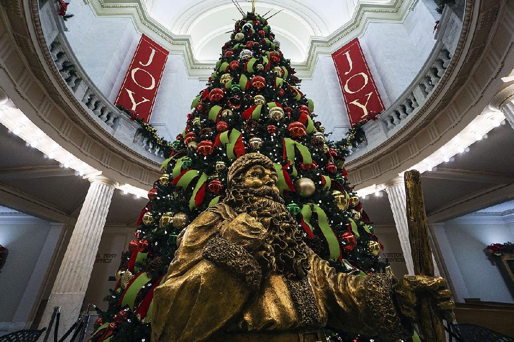 Christmas Parade Lighting Ceremony At State Capitol Coming Up