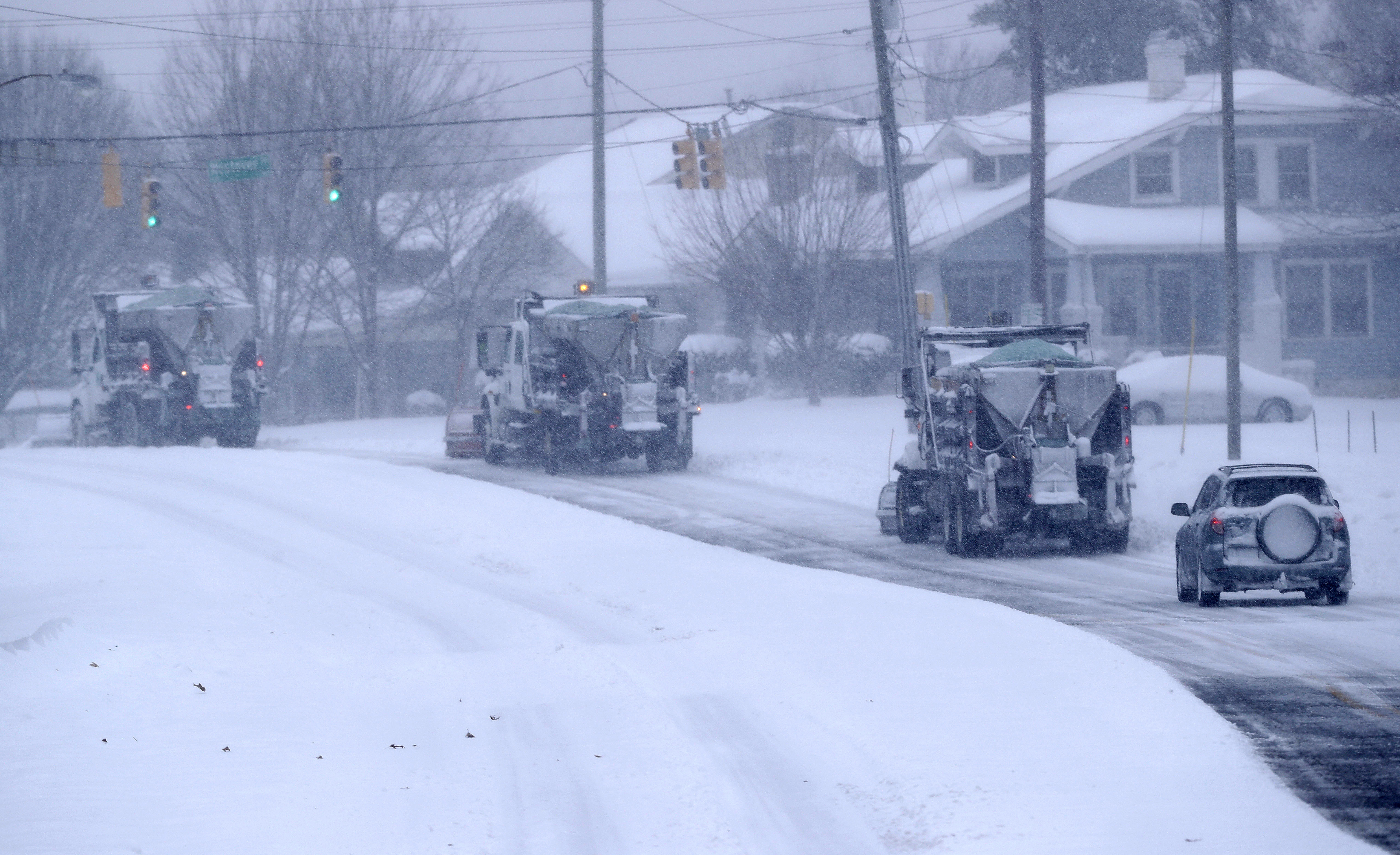 Southern states hit with snow, ice see roads clogged by