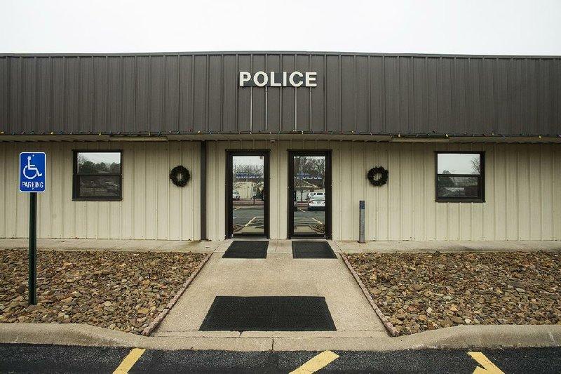 Lowell's next mayor seeks halt on planned new police station