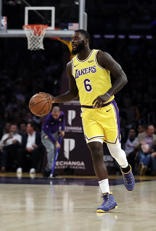d0a17595e1d NBA refs not aficionados of air guitar