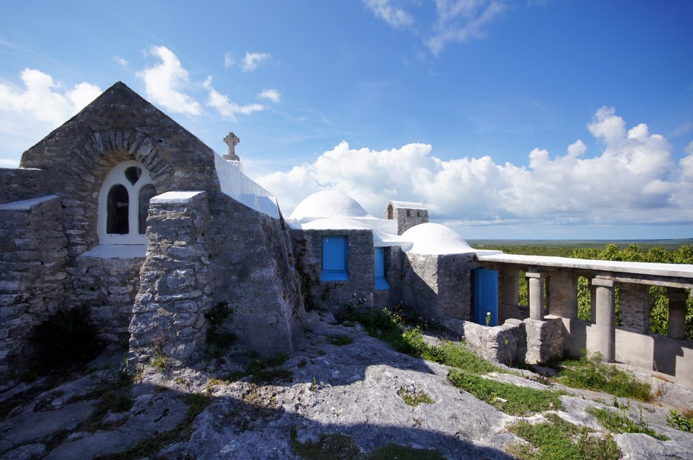 A hermitage built in 1939 by English priest and architect Monsignor John Hawes sits atop Como Hill, the highest point in the Bahamas at 206 feet above sea level.