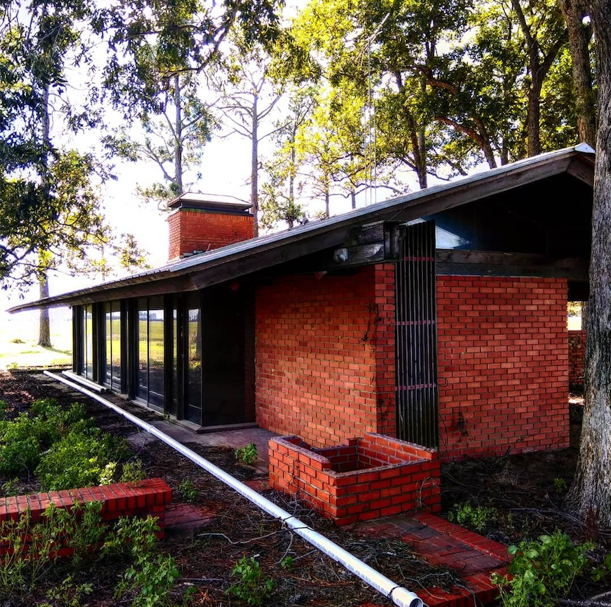 The 1970 Buerkle House in Stuttgart was designed by architect Frank Doughty, the subject of an Architecture and Design Network lecture Tuesday at the Arkansas Arts Center in Little Rock.