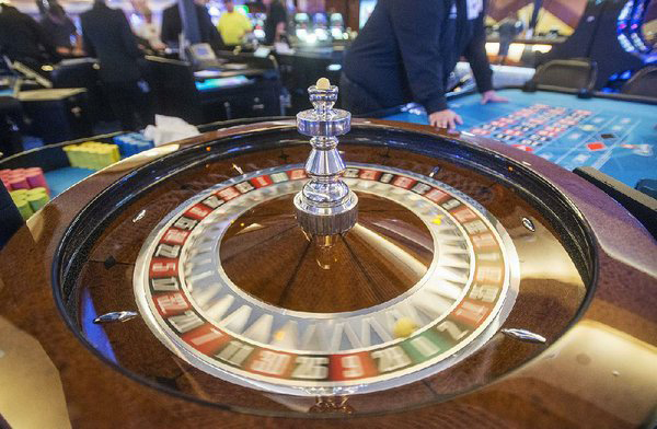 Casino firms' support grows