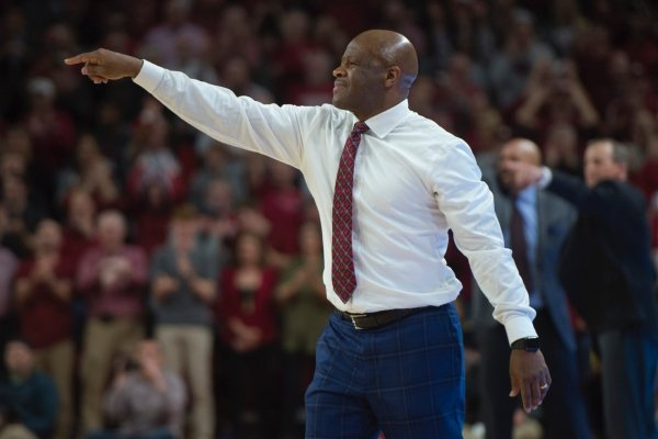 Arkansas Razorbacks head coach Mike Anderson calls out to his players during a basketball game on Saturday, December 30, 2017 at Walton Arena in Fayetteville. The Tennessee Volunteers fell to the Arkansas Razorbacks, 93-95