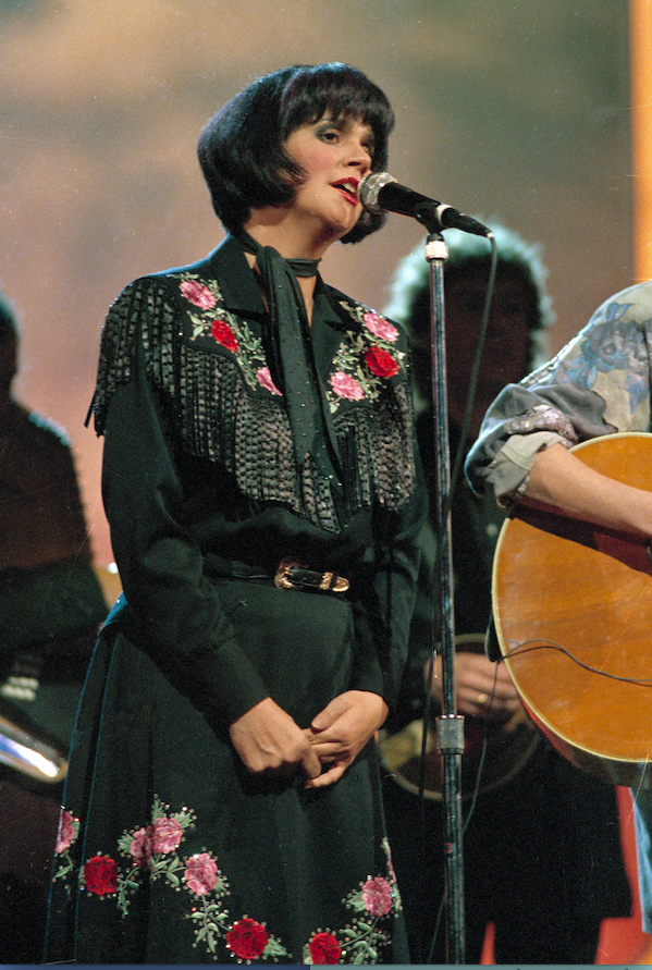 "Singer Linda Ronstadt recorded four songs from 1976's Warren Zevon album, elevating public awareness of the singer-songwriter. Ronstadt titled her album ""Hasten Down the Wind"" after one of them."