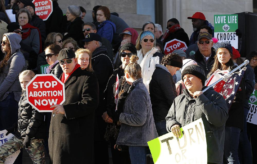 March for Life calls for end to abortions; governor addresses hundreds in Little Rock