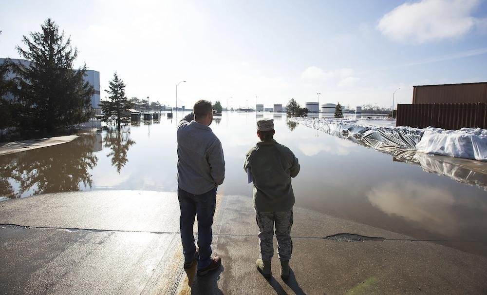 Floods wipe out roads, growers across Midwest