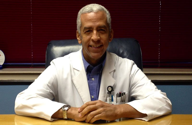 Dr. Carlos Irizarry