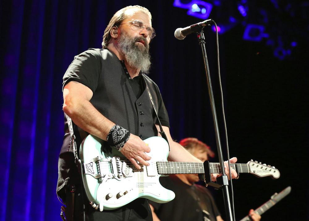 Steve Earle performs at the Ryman Auditorium in Nashville, Tenn., in 2017. (AP photo)