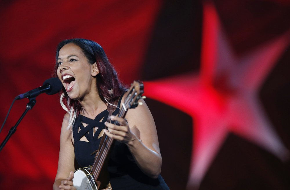 Rhiannon Giddens performs during a 2018 rehearsal. Photo via AP