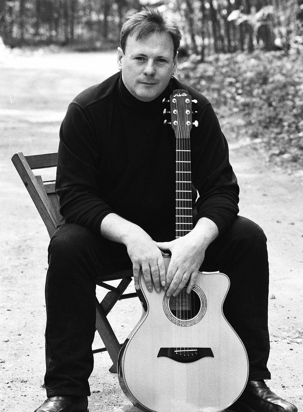 Guitarist Tony McManus performs today for the Argenta Acoustic Music Series.