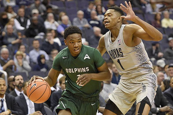 Arkansas lands Jacksonville transfer guard