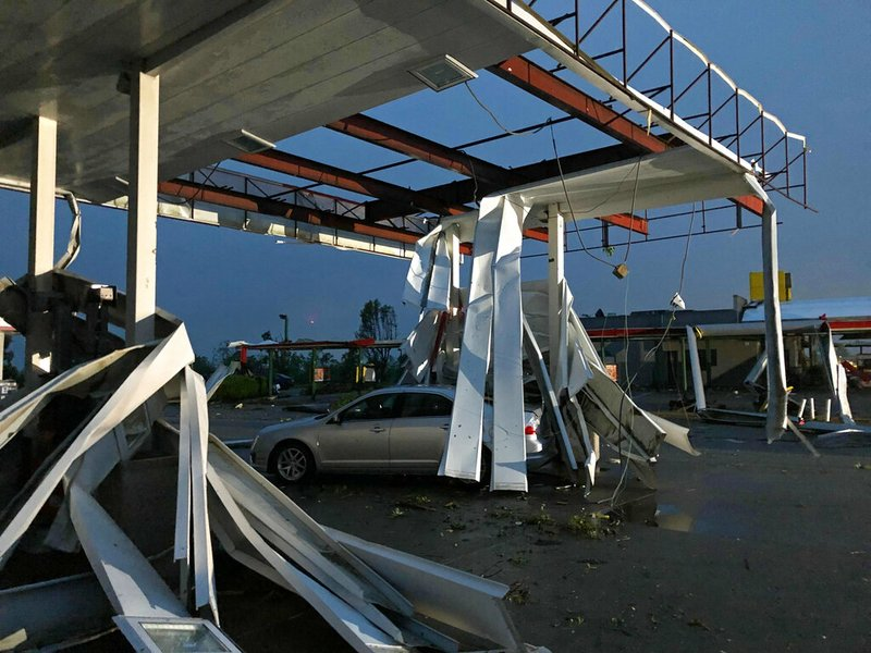 Car Dealerships In Jefferson City Mo >> Tornado hits Missouri capital as deadly storms sweep state