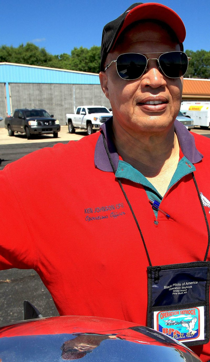 Pine Bluff air show features black pilots group