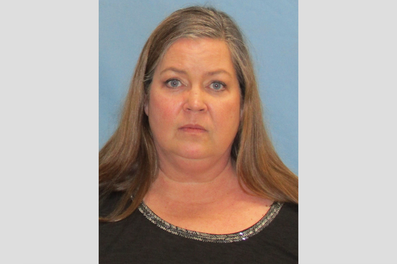 c383a538a07f Ex-employee of Little Rock dentist gets 12 years for $218,000 theft; 'you  kind of disgust me,' judge says