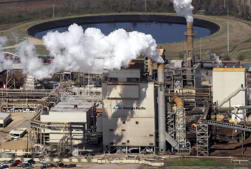 Georgia-Pacific closing plant in Hope, mass layoffs at Crossett mill