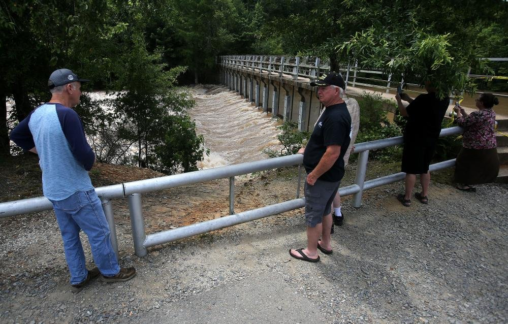 Residents Hold Hope Fear Worst With Lake Conway Still On