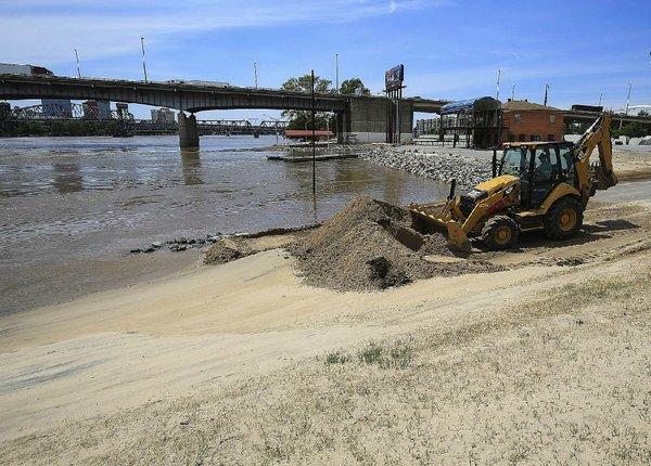 Normal Arkansas River navigation still weeks off