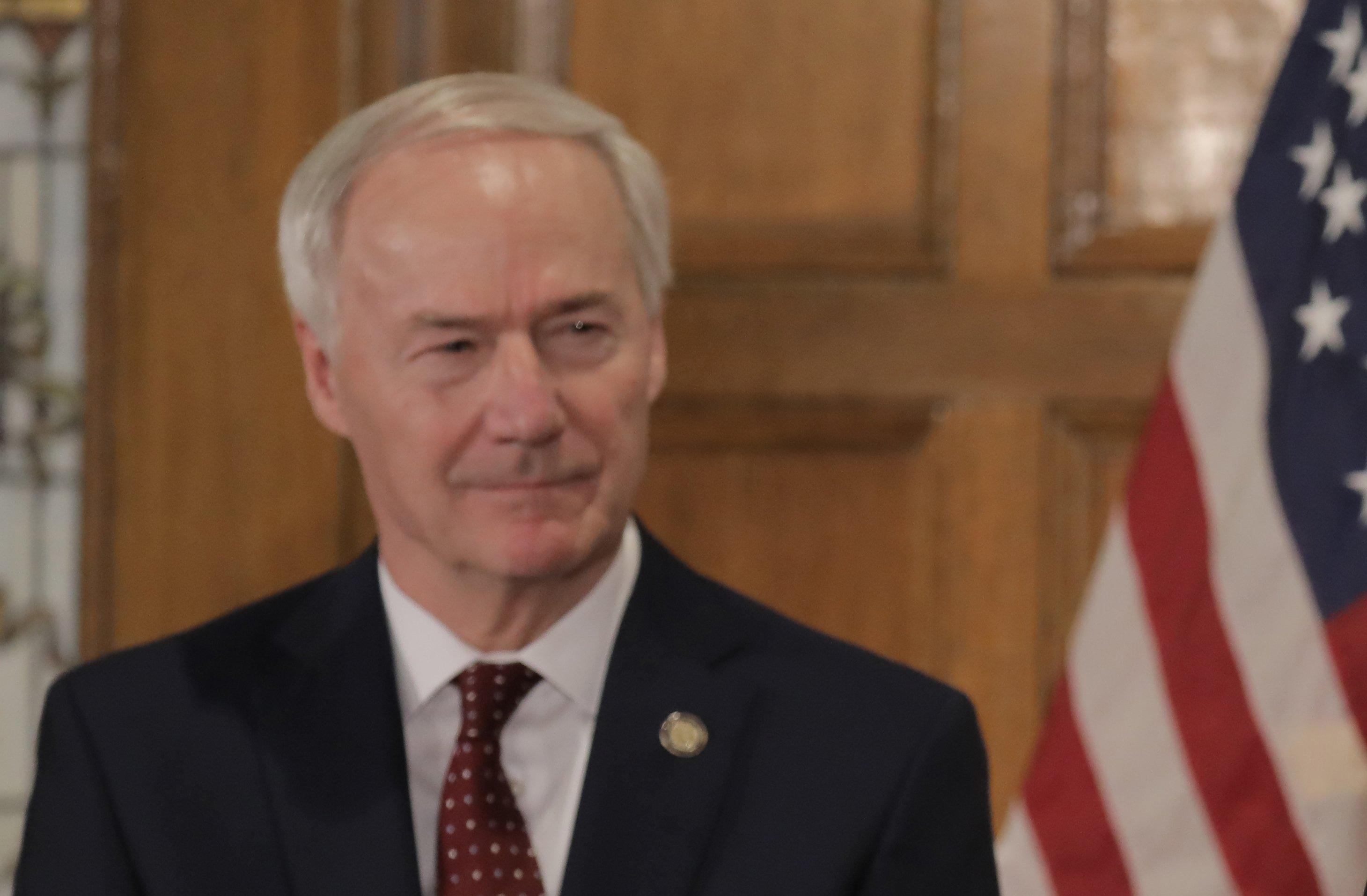Legislators back 3 state officials' pay raises