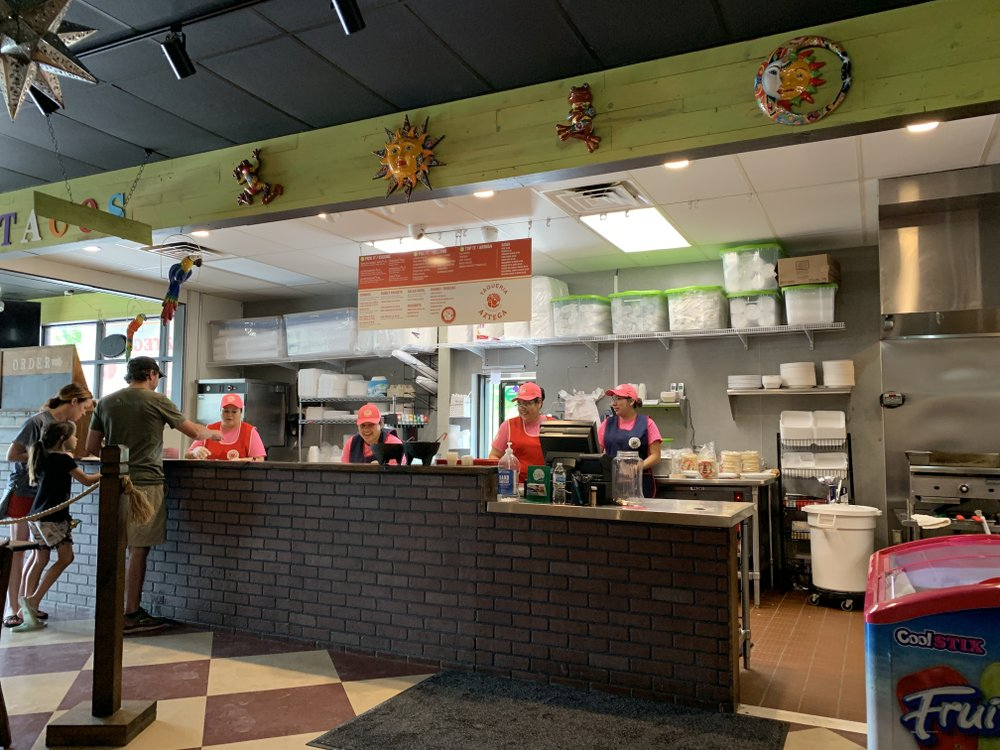 Taqueria Azteca has opened on Crystal Hill Road near the line between North Little Rock and Maumelle.  Arkansas Democrat-Gazette/Eric E. Harrison