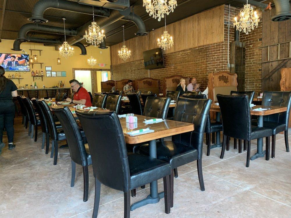 El Mezcal Mexican Bar & Grill has opened on Kavanaugh Boulevard in Little Rock's Hillcrest. Arkansas Democrat-Gazette/Eric E. Harrison