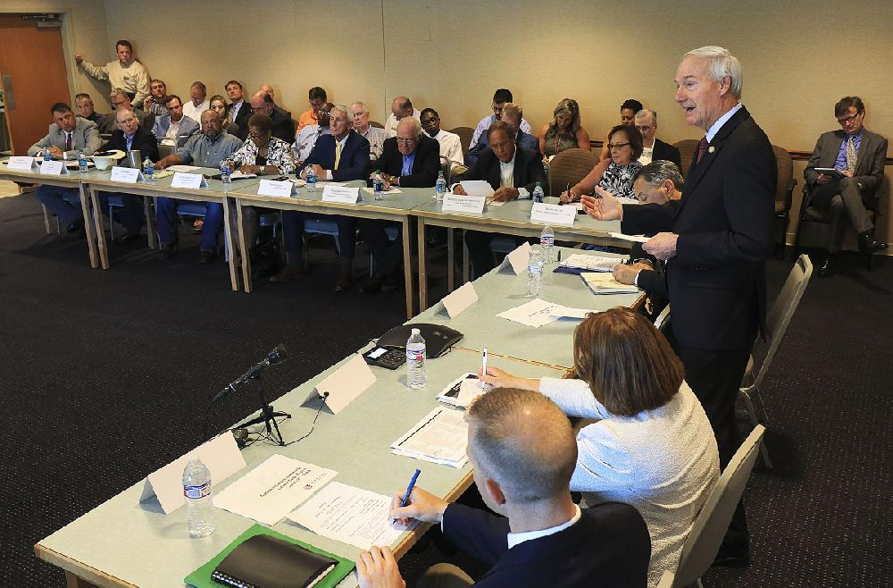 Governor sets goals for new Arkansas levee group; fixing system 'important' to future, he says