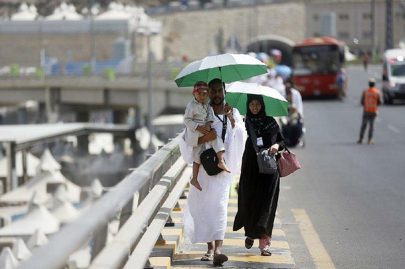 Muslims start Mecca pilgrimage