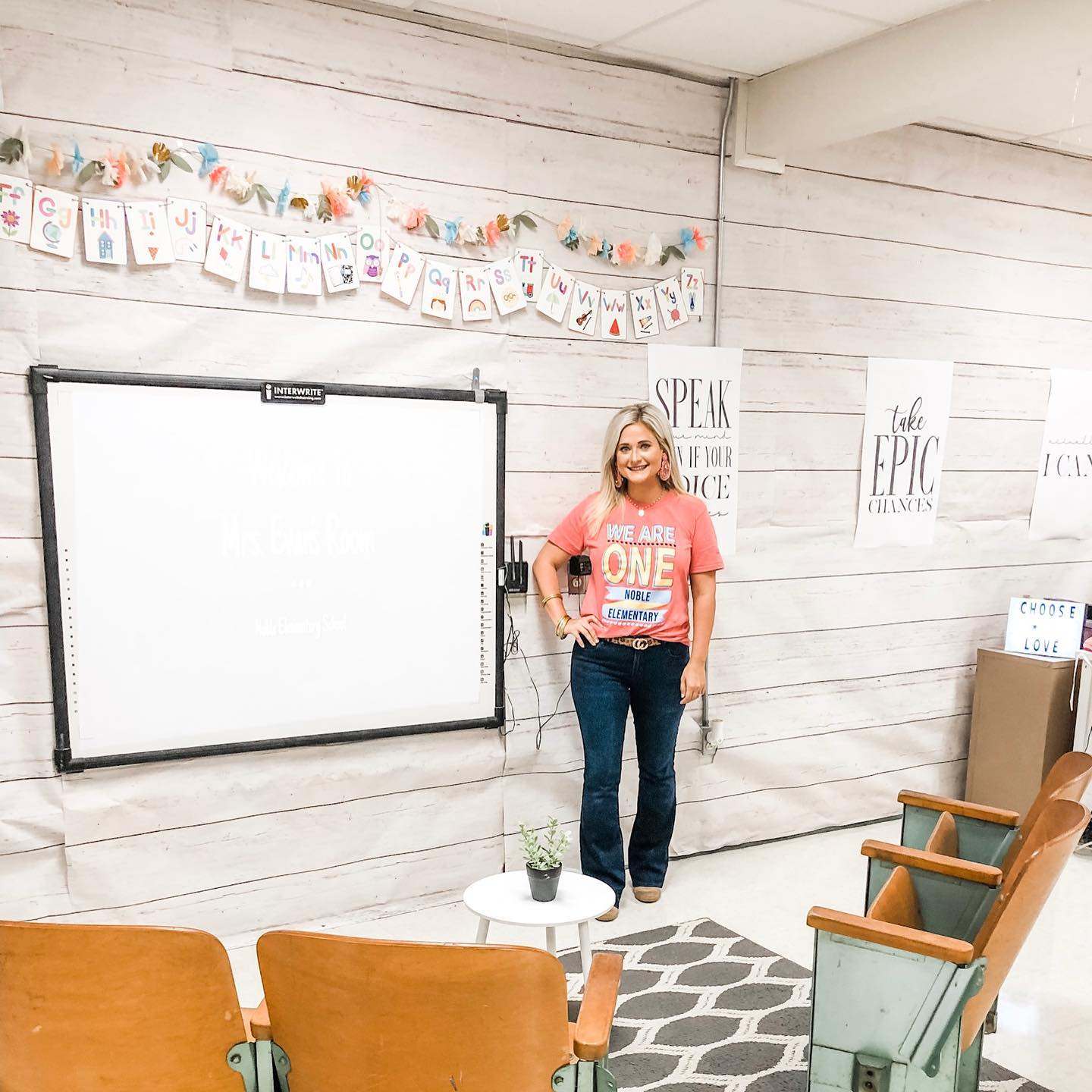 Southeast Arkansas teacher's post about classroom decorations goes viral
