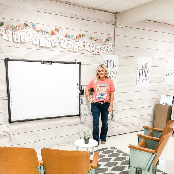 PHOTOS: Arkansas teacher's post about classroom decorations goes viral