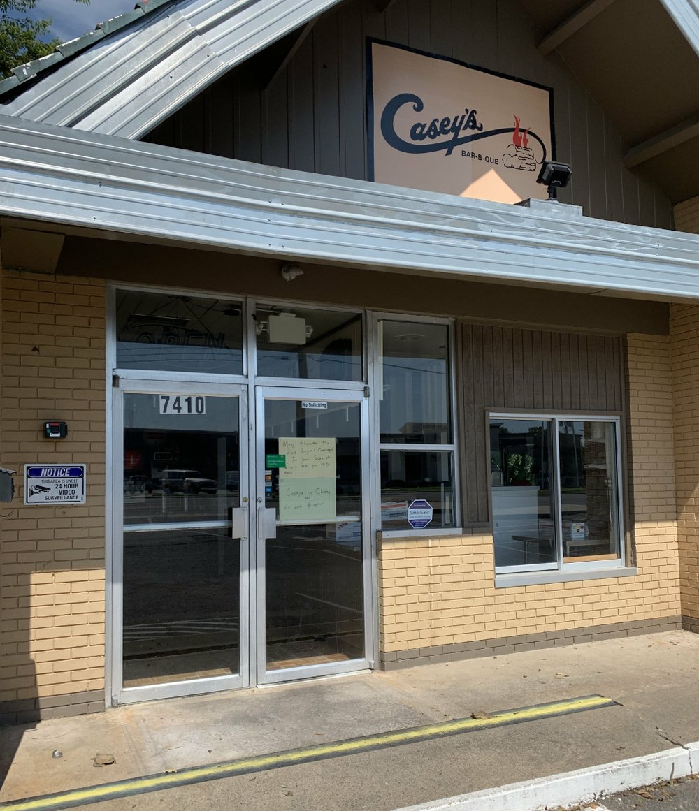 Casey's Bar-B-Que on Cantrell Road closed last week. A note on the door says it will not reopen. Arkansas Democrat-Gazette/Eric E. Harrison