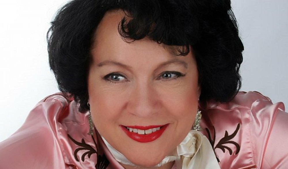 """Saturday's lineup for """"Women of Country Music!,"""" the October Boomtown Opry in El Dorado, includes Lisa Layne as Patsy Cline."""
