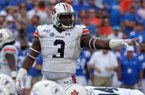 Auburn defensive end Marlon Davidson (3) signals to teammates before a play during the first half of an NCAA college football game against Florida, Saturday, Oct. 5, 2019, in Gainesville, Fla. (AP Photo/John Raoux)