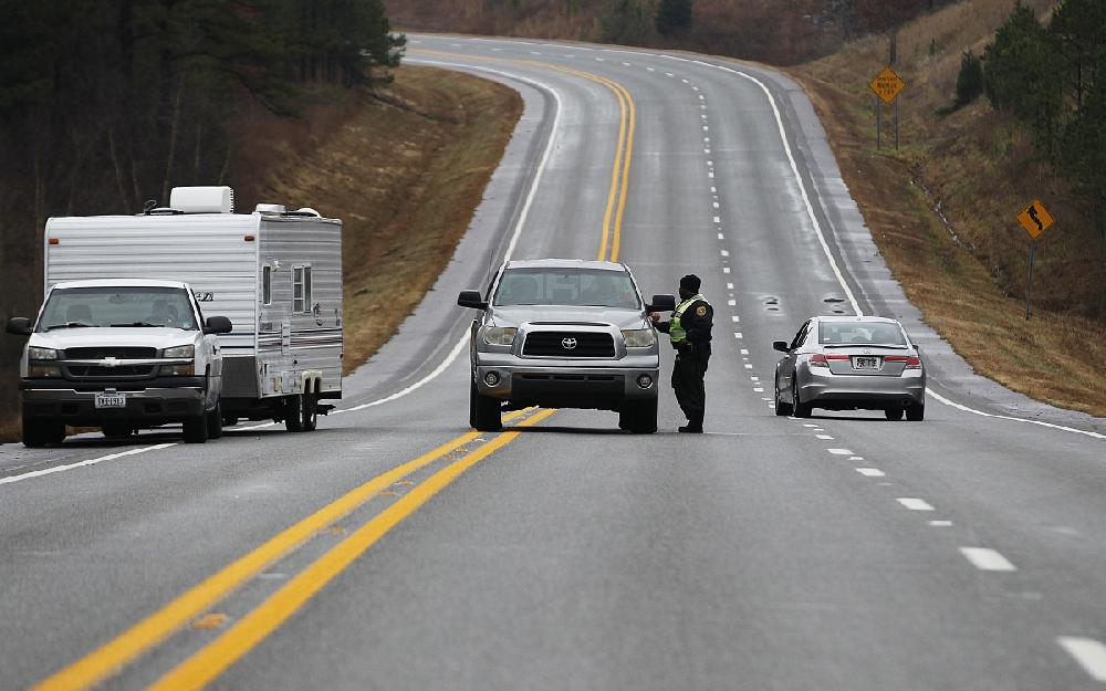 Shooting in central Arkansas said to spur 7-hour standoff