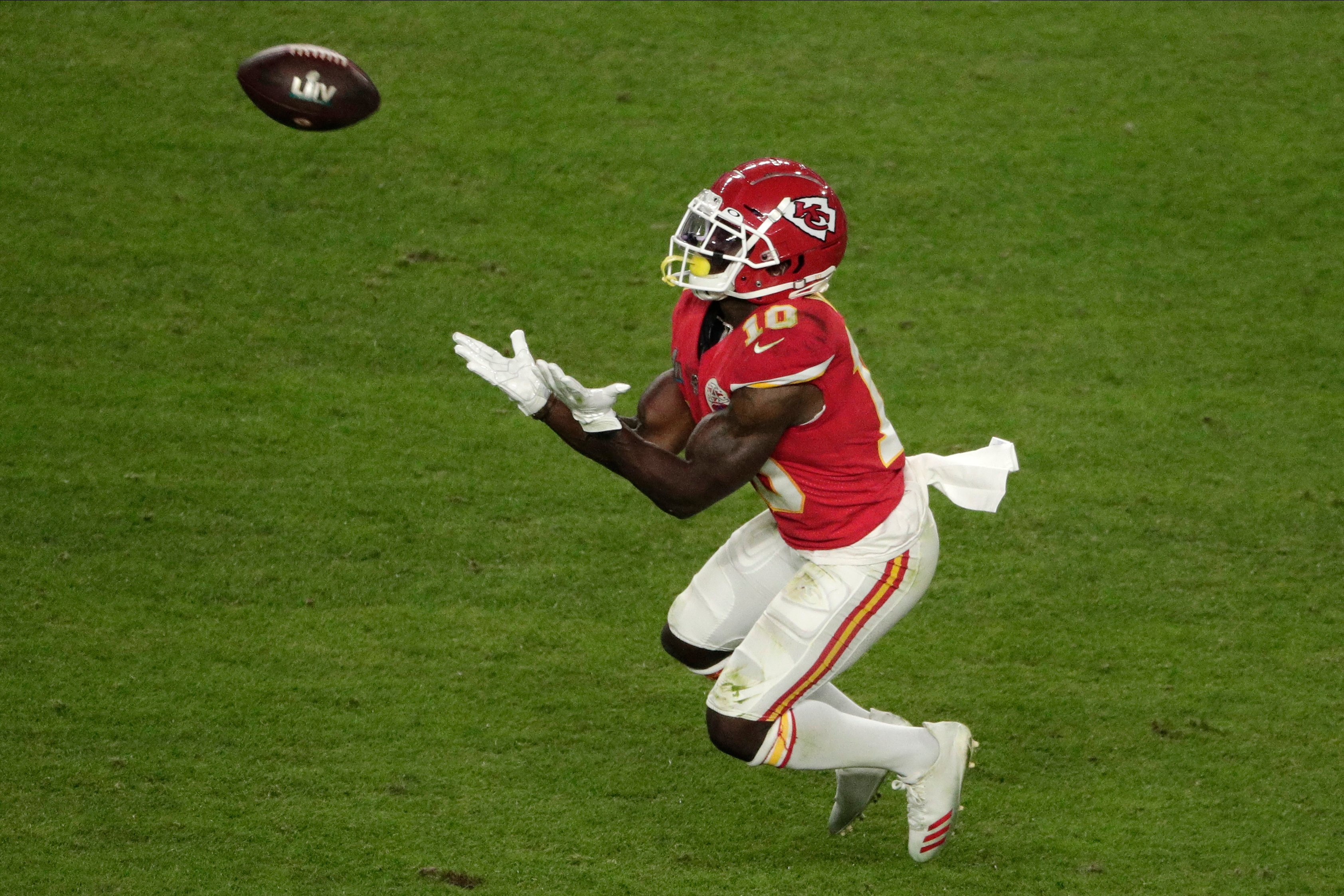 Image result for patrick mahomes tyreek hill 44yards""