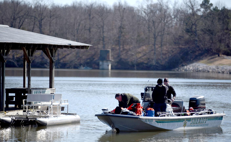 Springdale man's body found in Lake Fayetteville